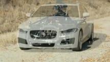 あらゆるクルマに変身する撮影用車台『ブラックバード』。走行性能の模倣や周辺環境のスキャン機能を搭載