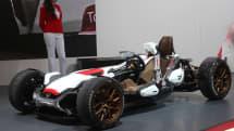 ホンダ、二輪部門と四輪部門が合作した『プロジェクト 2&4』公開。重量405kgのコンセプトカー