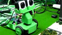 VRゲーム x ロボティクス、Query'n Robot 動画デモ。VRヘッドセット Oculus Riftや3Dセンサ Leap Motion でMixed Reality 実現