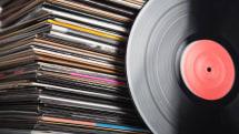 米音楽売り上げ、アナログ盤・CDがダウンロード販売を上回る。緩やかながらも復活続く