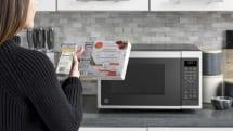 GE、バーコード読取りで加熱設定する電子レンジ発売。Alexa対応で音声操作も可能