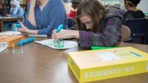 ペンで立体を描く3Doodler、学校の授業で使える3Dペンの学習用キットを発売