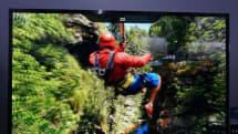 サムスンの110型8K+裸眼3Dテレビ実機レポ。40以上の視差点で広範囲かつブレの少ない3D表示