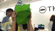 Engadget 例大祭:RICOH THETAブースで全天球動画+VRの楽しさ体感。スタッフ謹製「VRカエルお面」も