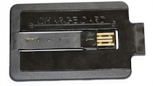 ChargeCard wallet charge cable gets the hands-on treatment