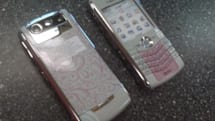 AT&T's BlackBerry Pearl 8110 gets pretty in pink