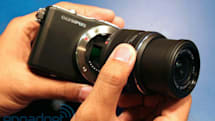 Olympus Pen E-PM1 hands-on (video)
