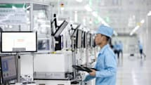 OPPOのスマホ工場を動画で見る。完全自社生産で品質管理にこだわり(石野純也)