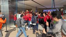 Apple 川崎ついにオープン。川崎駅前に長蛇の列
