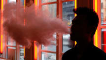 Social media ads for vaping must include nicotine warnings, FTC says