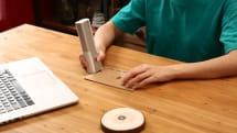 片手で簡単に操作できる小型ポータブルプリンター「EVEBOT プリントペン」