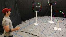 MITがジェスチャーでドローンを操縦する技術を開発
