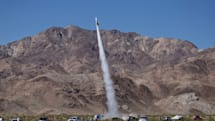 地球平面論者、手作りロケットで自説証明に挑み墜落死