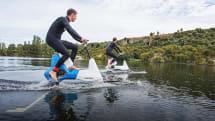 水上用電動アシスト自転車「Hydrofoiler XE-1」発表。自称世界初の水中発進にも対応