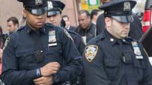NY市警が装着していたボディカメラが突然出火。警官は無傷も同型の2990台を使用中止