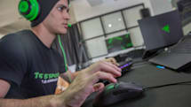 雷蛇发布使用光学微动开关的 Viper 游戏鼠标