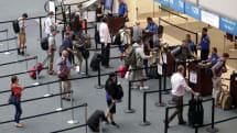 美国政府进一步阐释如何收集签证申请人的社交平台资料