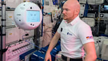 国际空间站的球形机器人回到地球了