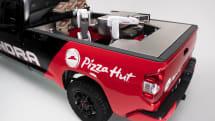ロボットキッチン搭載、ピザを焼きつつ配達する水素トラック「Tundra Pie Pro」ピザハットが発表
