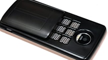モトローラのスマホを水と塩で充電できる「燃料電池mods」が参考展示:CES2019