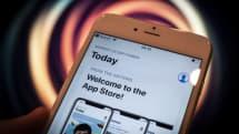 アップル、iPhone用「ポルノ・ギャンブルアプリ」の取締り強化。企業証明書使いApp Store迂回