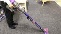 ダイソン、液晶ディスプレイ付きコードレス掃除機「V11」発表
