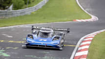 フォルクスワーゲン ID.R、ニュルのEV記録を40秒も短縮。6分5秒336の驚速タイム