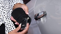 起亜UK、新規顧客に電波遮断キーケースを支給へ。相次ぐ「リレーアタック」被害を防止