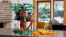 LEGOがサトウキビ由来のブロックを用いたツリーハウスキットを発売