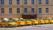 眠たげな運転手に警告出す顔認識デバイス、露タクシー配車サービスが数千台に導入へ