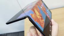 ファーウェイ折り畳みスマホMate Xは11月に再延期か。画面数増加の次世代機も?