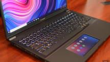 華碩的 StudioBook Pro X 是搭載 ScreenPad 的工作站級筆電