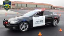 テスラ製パトカー、容疑者追跡中に「電池切れ」。前のシフトで充電せず、残量10kmでお手上げ