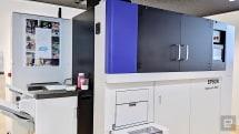 Epson PaperLab 是一台辦公室大小的迷你回收造紙機