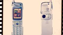 2000年11月1日、カメラを搭載した初の写メール端末「J-SH04」が発売されました:今日は何の日?