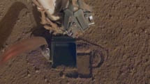 火星着陸探査機 InSight、粗い地面に阻まれていた穴掘りがようやく進展。熱プローブ埋込み用