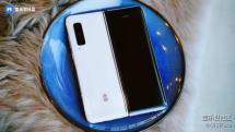 Samsung W20 5G 是基於 Galaxy Fold 打造的新款「土豪」機