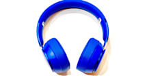 「Beats Solo Pro」をロスへの旅路で試す、長時間のフライトでは「AirPods Pro」より頼れる相棒(松村太郎)