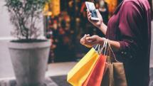 YouTubeのホームフィードと検索結果にショッピング広告が表示。Googleいわく「買い物のお役に立ちます」
