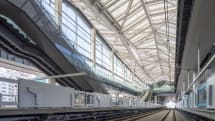 QR改札、AI無人店舗も常設──JR高輪ゲートウェイ駅が3月14日開業