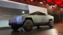 動画:イーロン・マスク、自らCybertruckのハンドル握り夜のLAにお出かけ