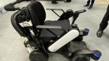親車いすの後に子車いす…。パナソニックのカルガモ風自動追従システム:2019国際ロボット展