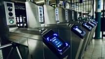 改札機を通過するだけでApple Pay引き落とし?米ニューヨーク公共交通機関で複数の苦情