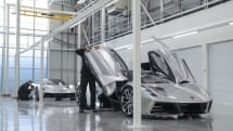 2000馬力のモンスターEVは工場から新規。ロータスが「エヴァイヤ」生産工場を公開