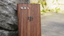 天然木を使ったBlackBerry KEY2用保護ケースがFOXから。税込5478円
