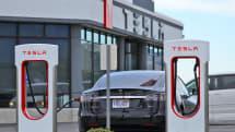 Thieves tell cops 'Mr. Tesla' said it was okay to swipe Teslas