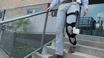 Taking walks with this leg brace can power an artificial heart