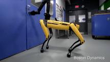 Boston Dynamics 准备明年开卖 SpotMini 机器犬