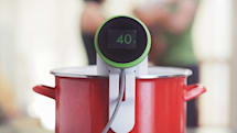 New Nomiku is a WiFi-connected immersion circulator that makes sous vide meals easier
