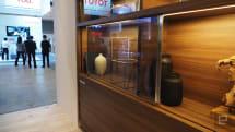 松下新出的电视原型机能像玻璃一样嵌在家具里